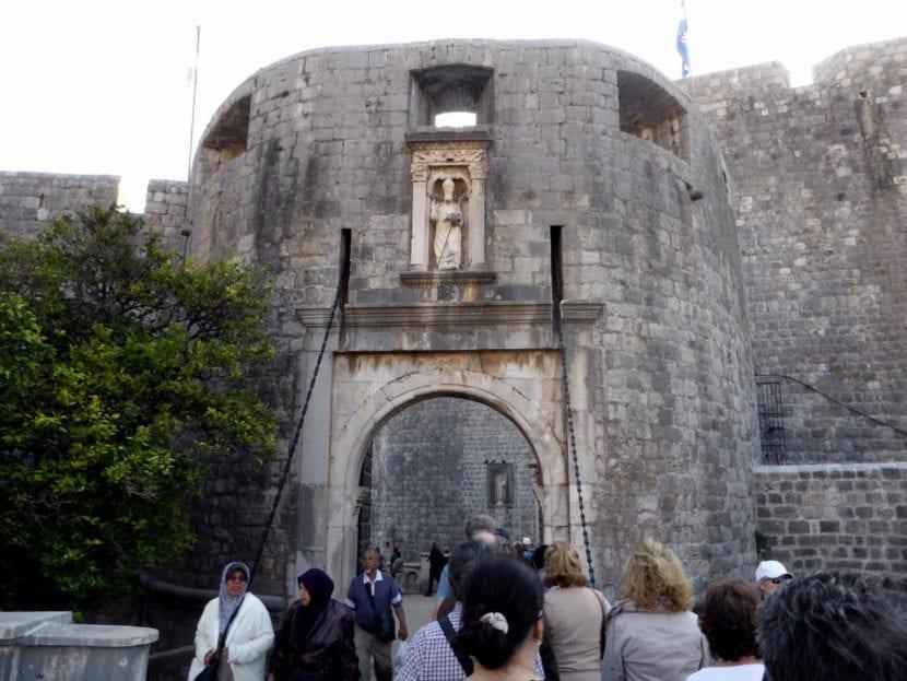 Puerta Pile